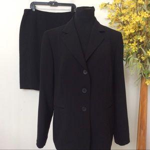 Jones New York Women's Black Skirt Suit Size 14W.